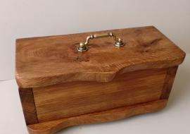 Papuošalų dėžutė. Ąžuolas. 33x15x13cm.